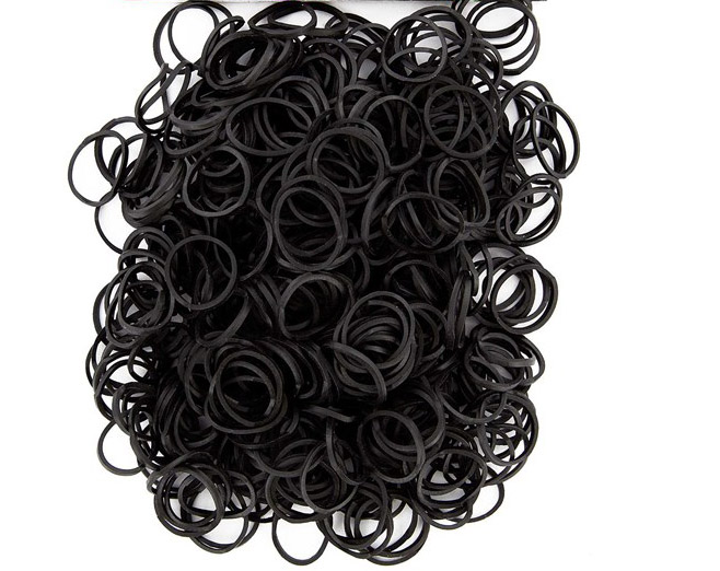 Bag of Black coloured looms {600 looms in a bag}
